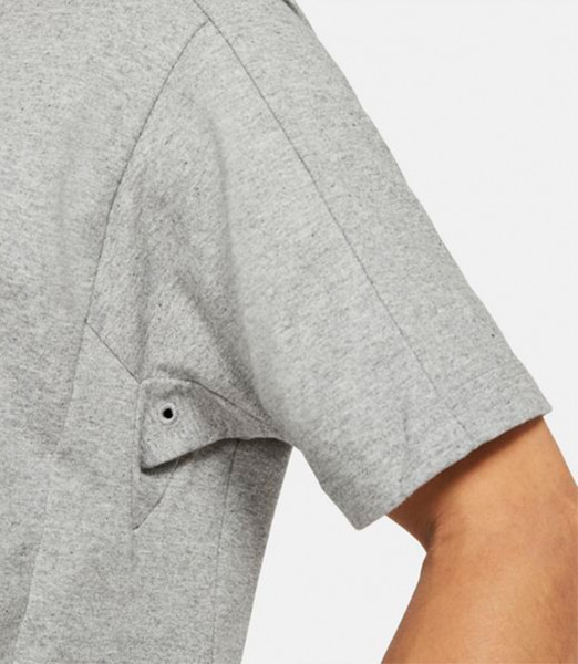 NIKE Sports Wear SS Top